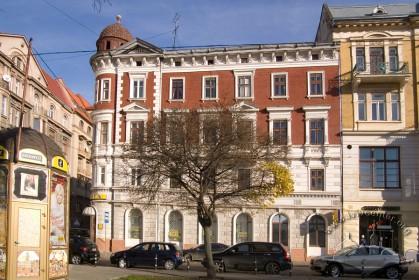 Вул. Валова, 14. Бічний фасад з боку пл. Галицької