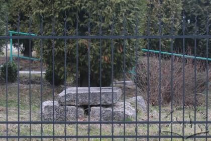 Храм Вознесіння Господнього на вул. Старознесенській, 27. Довкола нього розміщувався давній Знесінський цвинтар