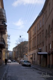 Вул. Краківська, 11. Вигляд із західної частини вул. Вірменської