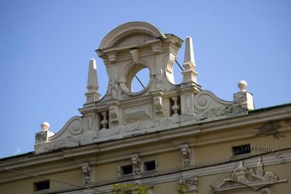 Prosp. Svobody, 12. Attic above the central part of the principal facade