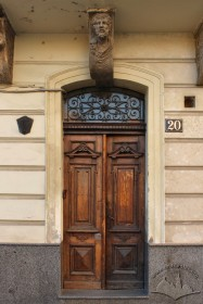 Vul. Halytska, 20. The main entrance with woodwork dating to 2nd half of 19th c.