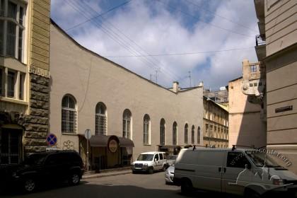 Prosp. Shevchenka, 13. The rear facade, a view from vul. Nyzhankivskoho