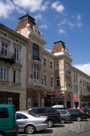 Prosp. Shevchenka, 10. A view at the principal facade