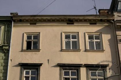 Пл. Ринок, 21. Фасад в рівні ІІІ-IV-го поверхів