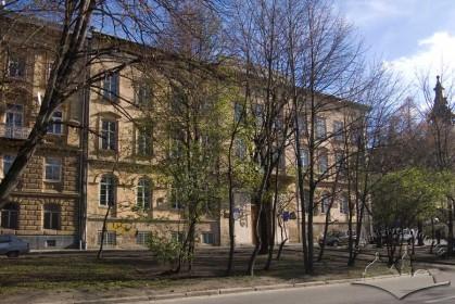 Vul. Vynnychenka, 24. The main facade