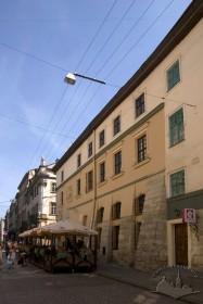 Вул. Сербська, 1. Бічний фасад з боку вул. Сербської