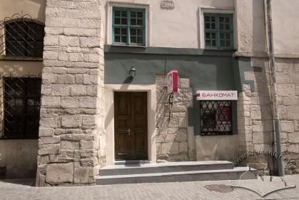 Вул. Сербська, 1. Фрагмент бічного фасаду.