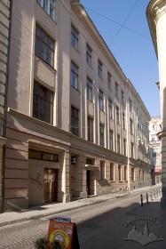 Вул. Коперника, 9. Бічний фасад з вул. Ф. Ліста