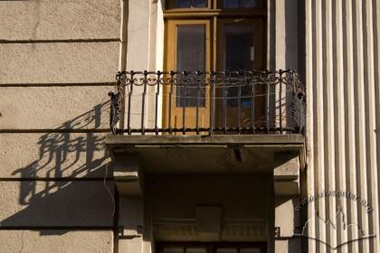 Вул. Коперника, 9. Балкон 3-го поверху