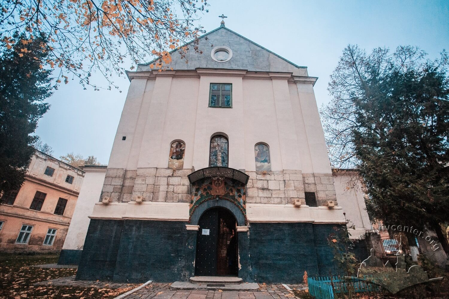 Vul. Khmelnytskoho, 28. The church building's principal facade/Photo courtesy of Nazarii Parkhomyk, 2015