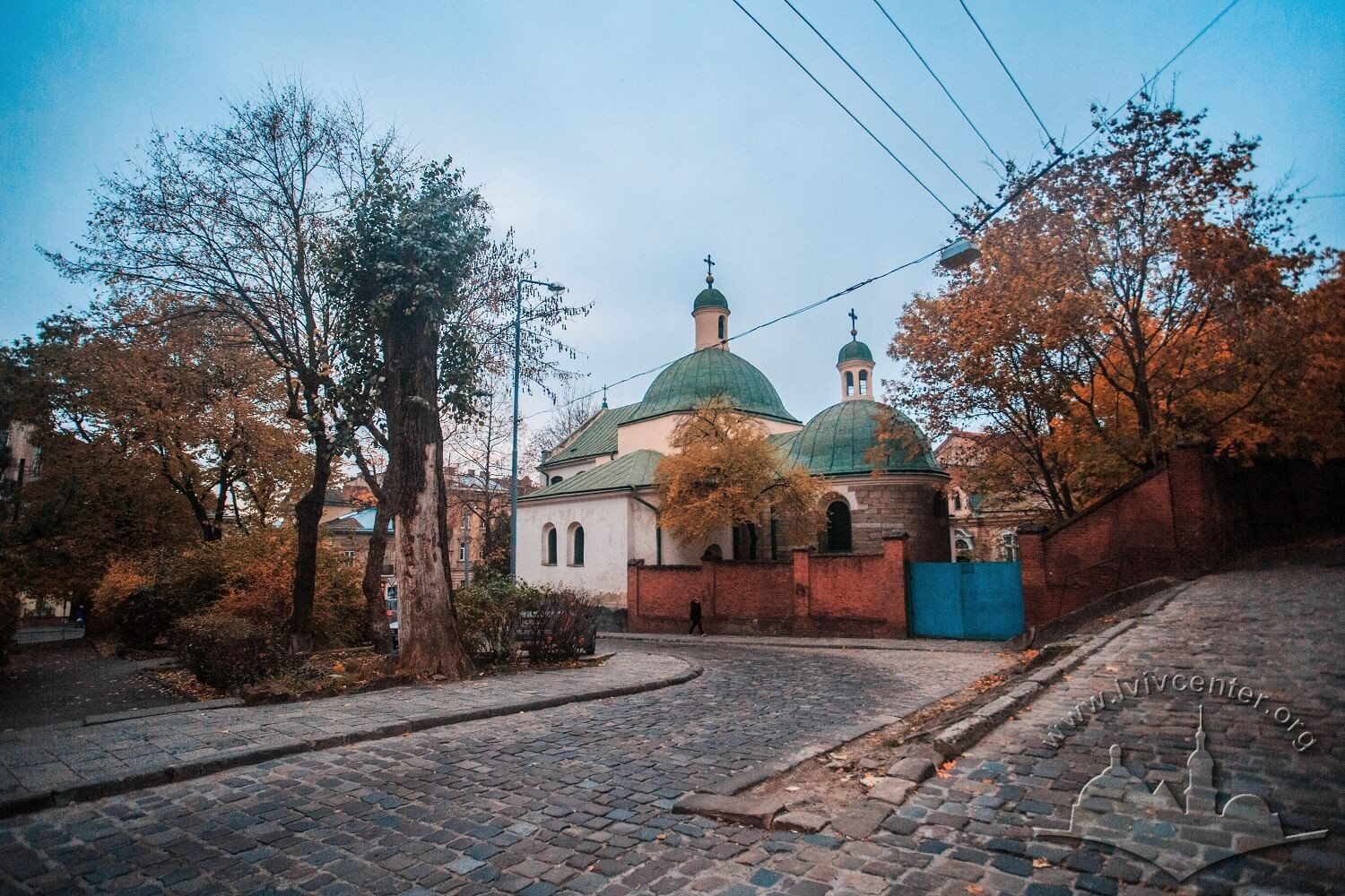 Vul. Khmelnytskoho, 28. A view of the church from vul. Pylnykarska/Photo courtesy of Nazarii Parkhomyk, 2015
