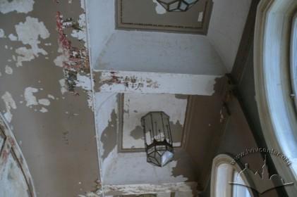 Вул. Курбаса, 3. Декоративне вирішення стелі в приміщенні ІІ поверху