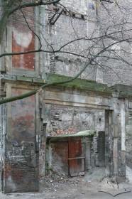 Квартал між вул. Коперника, пл. Міцкевича, вул. Ліста та вул. Вороного. Руїни пасажу Міколяша.