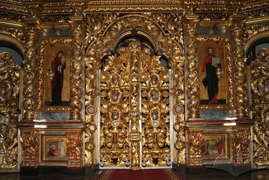 Vul. Khmelnytskoho, 36. The royal doors of the iconostasis with icons of Christ and Mary on their sides, and predellas below done by artist Modest Sosenko/Photo courtesy of Oksana Boyko, 2012