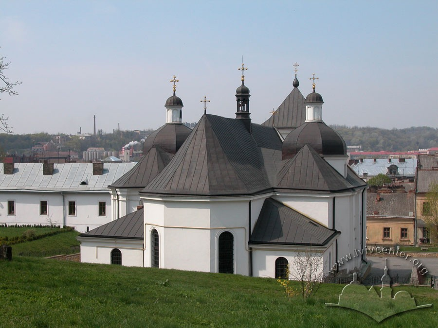 Vul. Khmelnytskoho, 36. A view from the east/Photo courtesy of Ihor Zhuk, 2006