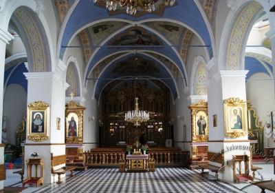 Вул. Хмельницького, 36. Інтер'єр церкви. Вигляд на вівтарну частину