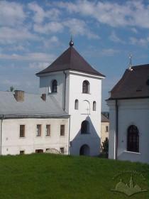Вул. Хмельницького, 36. Вигляд дзвіниці з території церкви (з південно-східного боку)