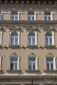 Просп. Шевченка, 28. Фрагмент східного фасаду
