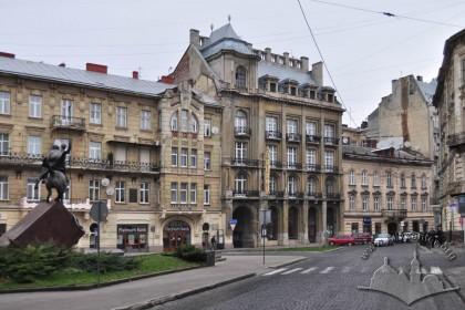 Площа Григоренка, вигляд з південно-західного кута
