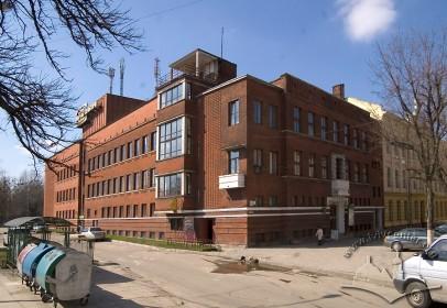 Вул. Кушевича, 1. Загальний вигляд будинку з південно-східного боку