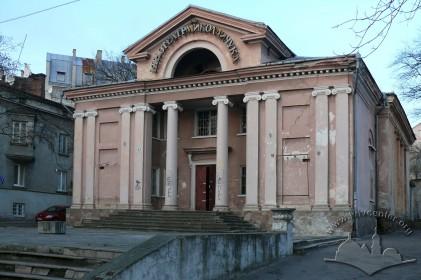 Вул. Личаківська, 131. Загальний вигляд будинку з боку вулиці Личаківської