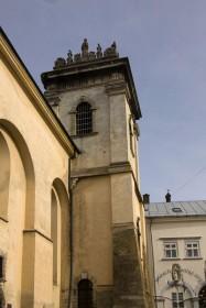 Вул. Вічева, 2. Вежа при головному фасаді