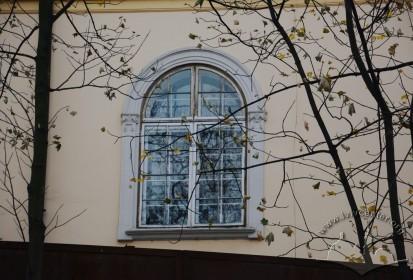 Vul. Bandery, 8. A 2nd floor monastery's window