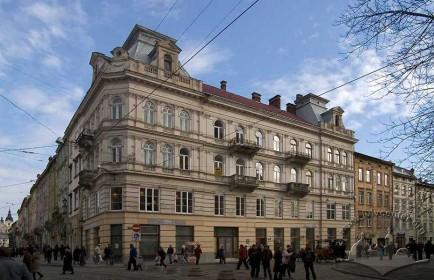 Вул. Галицька, 1. Загальний вигляд будинку з вул. П. Беринди