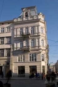 Вул. Галицька, 1. Вид на головний фасад будинку