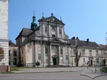 Vul. Vynnychenka, 30a. The western/principal facade
