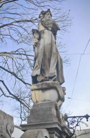 Vul. Lychakivska, 49a. The statue of Virgin Mary above the balustrade of the stairs