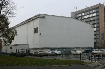 Просп. Чорновола, 2. Вигляд будинку з боку пл. Св. Теодора