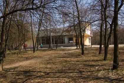 Vul. V. Velykoho, 14a. The western facade