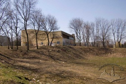 Vul. V. Velykoho, 14a. The eastern facade