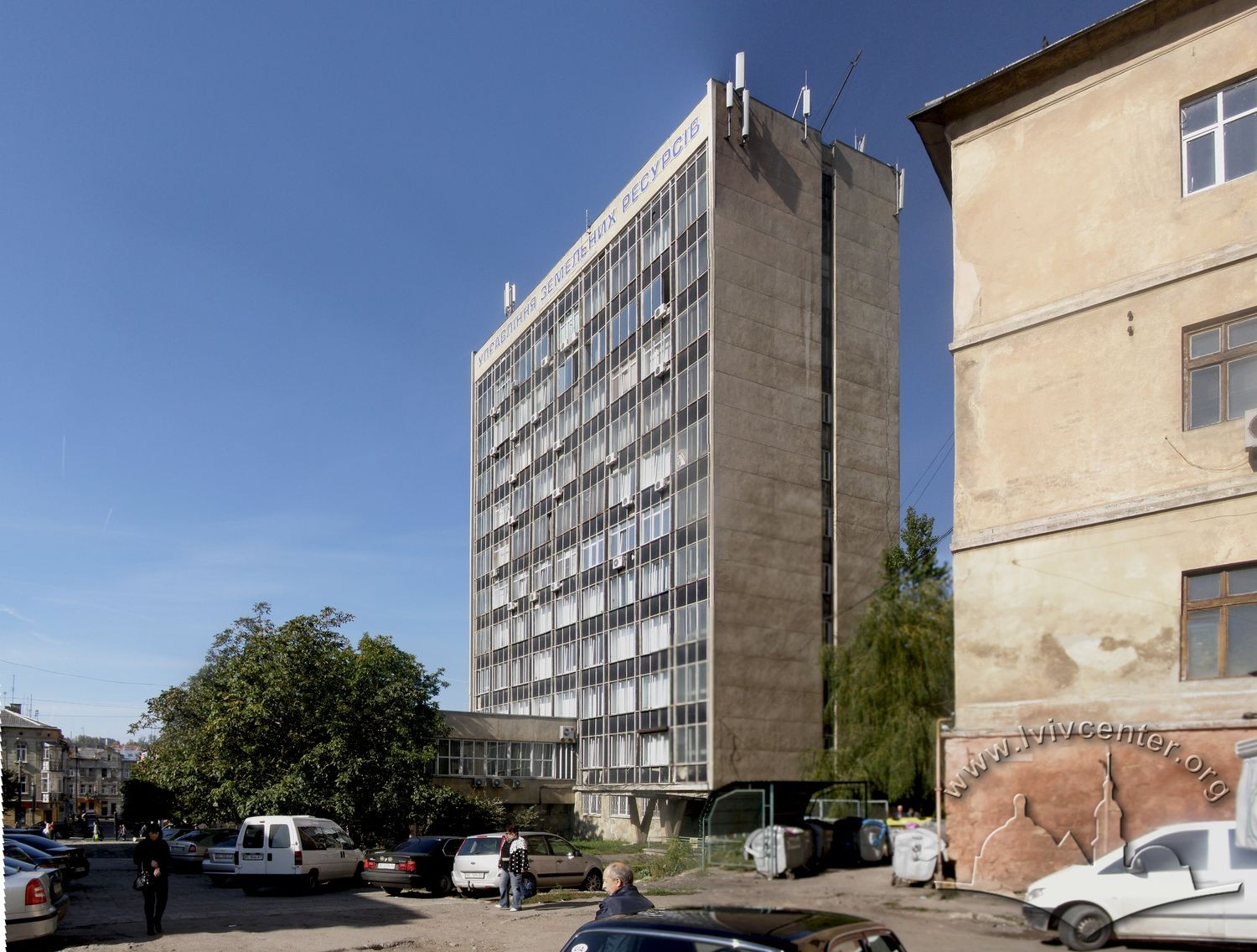 Prosp. Chornovola, 4. View of the building from Medova str./Photo courtesy of Andriy Shulyar, 2012