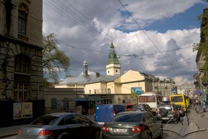 Вул. Городоцька, 32. Вид на церкву з південного заходу