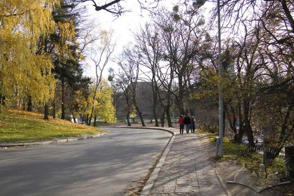 Northern end of the greenway. Vynnychenka Street, descent to lower Lviv.