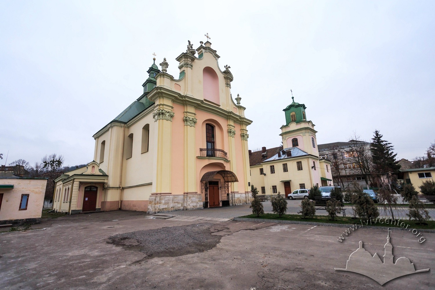 Vul. Zhovkivska, 8. Former church and monastery as seen from northern side/Photo courtesy of Nazarii Parkhomyk, 2015