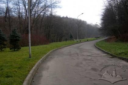 Pohulianka Park:  central lane as it follows Pasika Creek