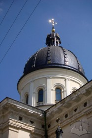 Vul. Krakivska, 21. Dome above the crossing