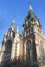 Пл. Кропивницького, 1. Фрагмент головного (західного) фасаду