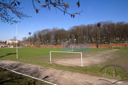 Вул. Вахнянина, 1. Тренувальне і основне поле стадіону