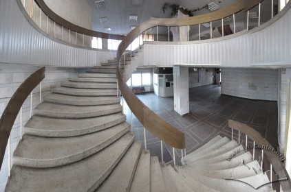 Vul. V. Velykoho, 2. Spiral Staircase in the lobby