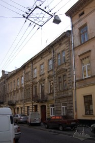 Vul. Pekarska, 18. A view from the northwest