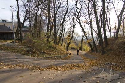 Vysoky Zamok Street, approach to the lower terrace of Vysoky Zamok park.