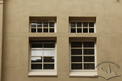 Prosp. Shevchenka, 27. An example of a 2nd floor window