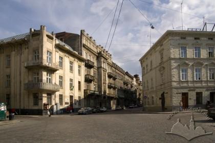 Вигляд початку вулиці Саксаганського з просп. Шевченка