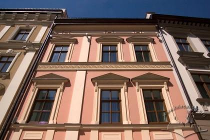 Vul. Shevska, 16. The principal facade