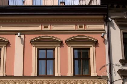 Vul. Shevska, 16. The windows on the 3rd floor