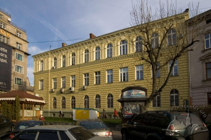 Prosp. Shevchenka, 9. A view of the principal facade from the southwest